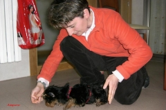 Tommy, de Amparo y Angela, con tres meses aprendiendo a tumbarse